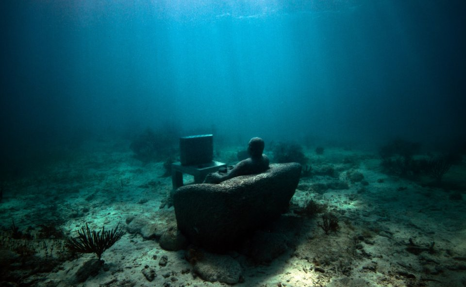 8-sculpture-modern-art-jason-decaires-taylor-sculpture