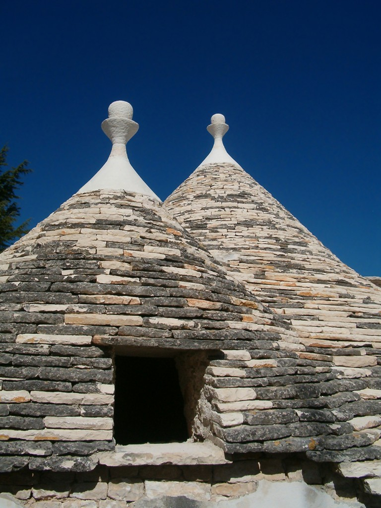Trulli_Alberobello08_apr06