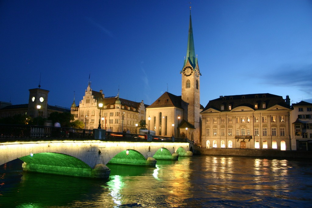 Zurich_in_night1