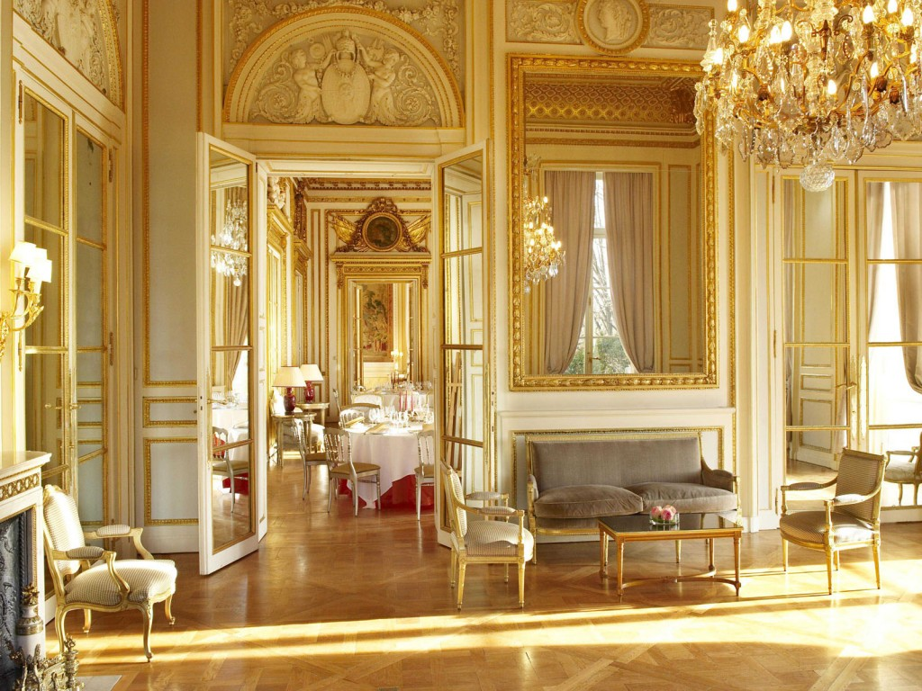 hotel-de-crillon-reception-room