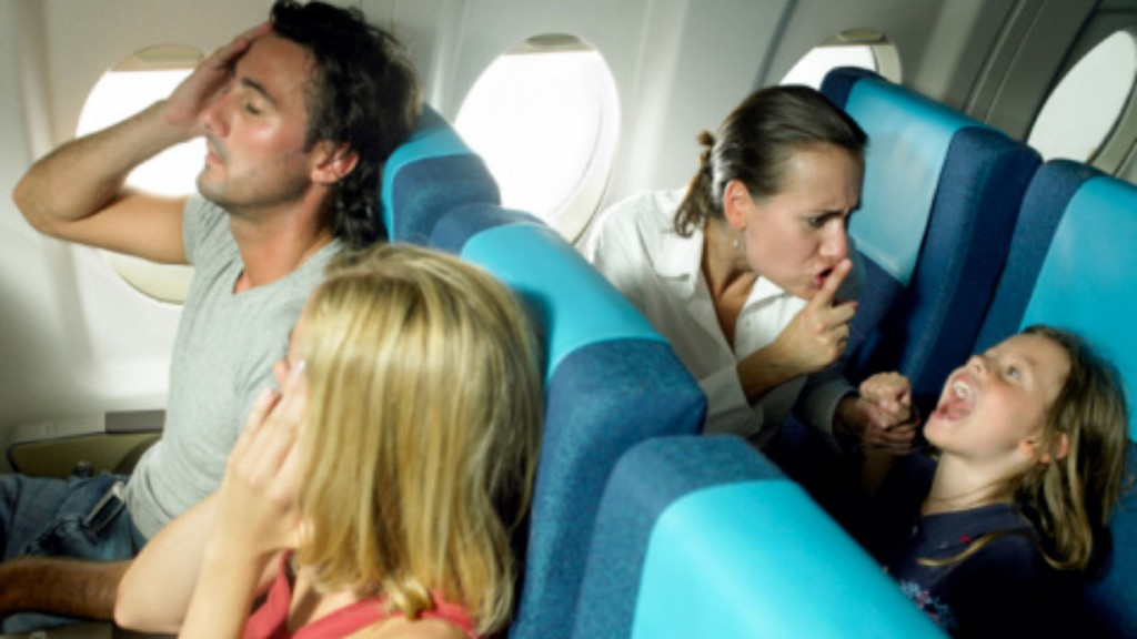 1386799466000-Airplane-kid-crying-EXpedia-study-Getty-image200506280-001