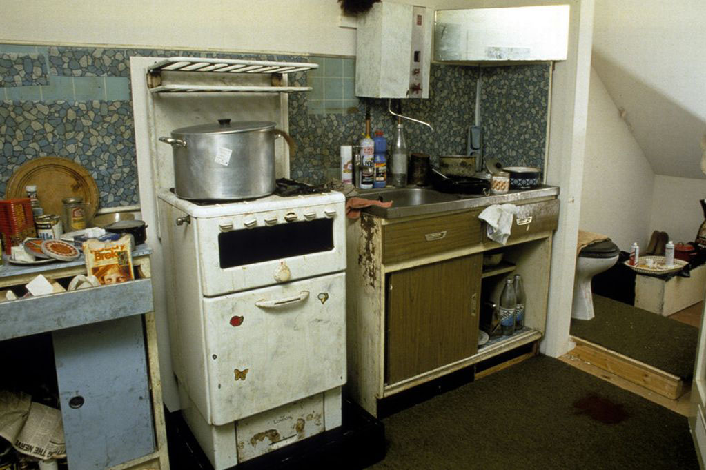 The-actual-kitchen-where-mass-murderer-Dennis-Nilsen-cut-up-and-disposed-of-his-15-victims-at-the-Police-Forensic