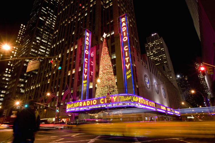 ct-great-cities-to-soak-in-xmas-atmosphere-nyc