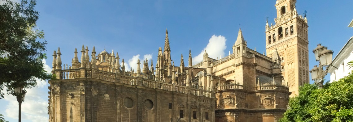 Sevilla_Cathedral_-_Southeast